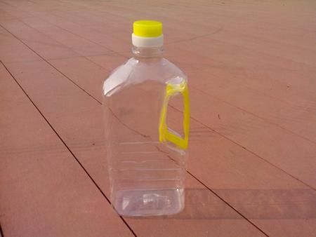 买色拉油桶,了解色拉油桶多少钱一个就到中华包装瓶